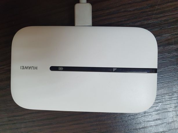 Модем 3G / 4G + Wi-Fi роутер HUAWEI E5576