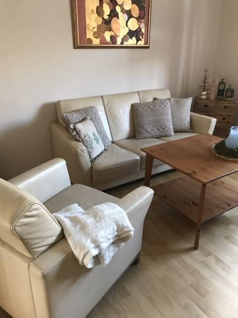 KLER komplet wypoczynkowy beżowa skórzana sofa i fotel