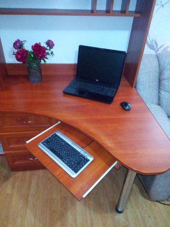 Стол компьютерный (стол для ноутбука)