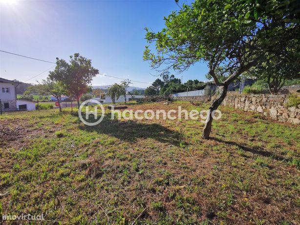 Terreno de construção com aproximadamente 511 m2 Adães Barcelos