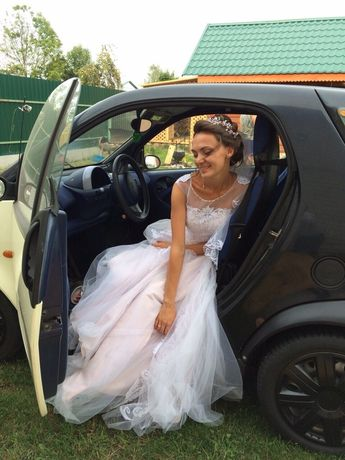 Плаття випускне, весільне