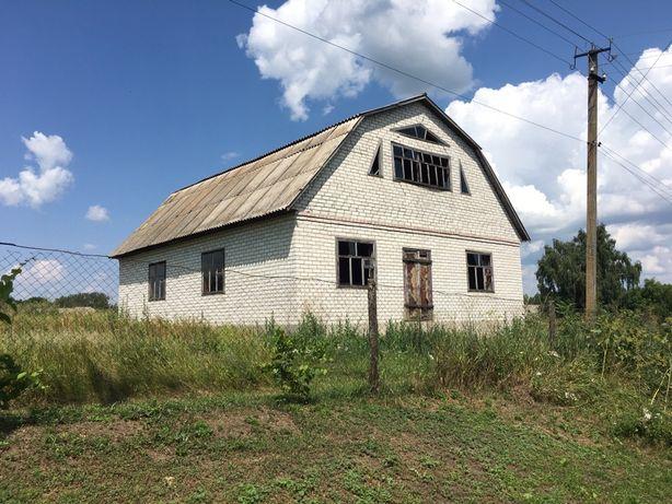 Продається будинок у Варві з двома ділянками