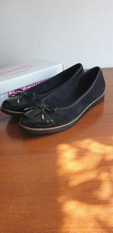 Buty półbuty czarne balerinki 42 jak nowe.  Wysyłka 8,99 zl.