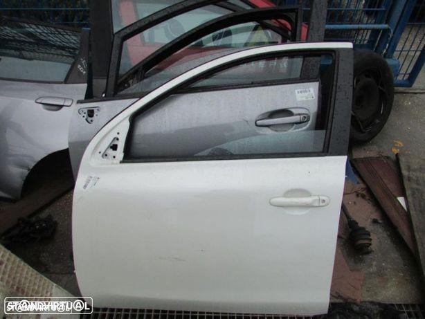 Porta Frente Esquerda Nissan Micra K13