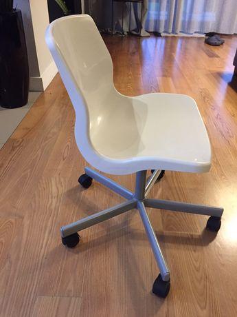 Krzesło ikea dla dziecka