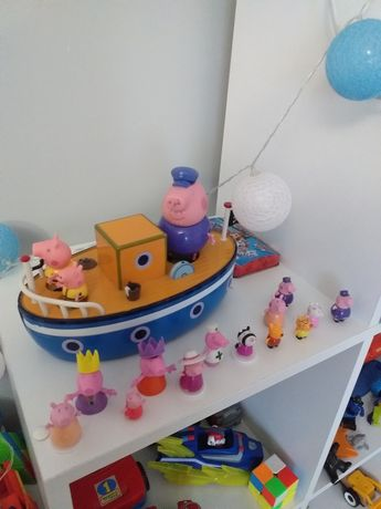 Łódka Świnka Peppa,  łódka dziadka i figurki