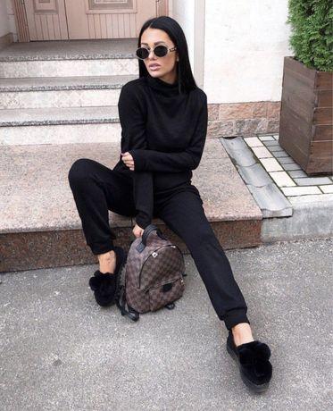 Теплый женский костюм брючный черный