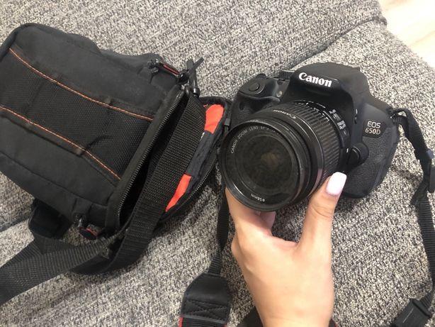Зеркальный фотоаппарат Canon EOS 650D 18-55