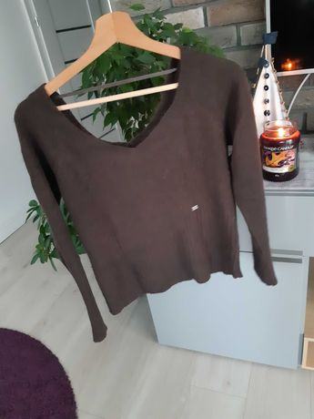 Sweter brązowy Reserved dekolt w serek 36 S