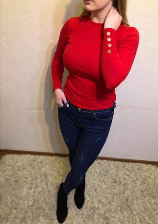 Czerwona bluzka z guziczkami