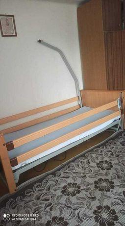Łóżko rehabilitacyjne sterowane elektrycznie plus materac jak nowe