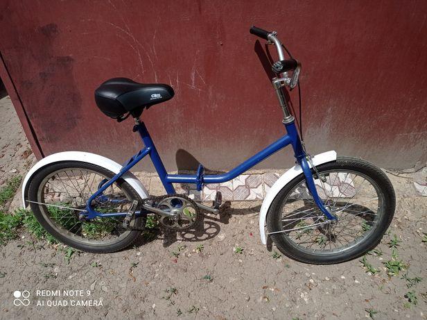 Продам велосипед ,колеса 20 дюймов.