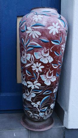 Duży metalowy wazon kwiaty unikatowy