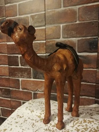 Figura wielbłąd skóra