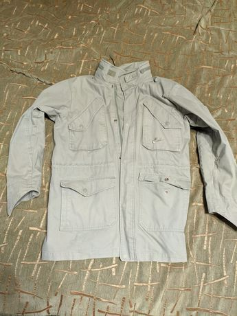 Куртка Nike m ветровка