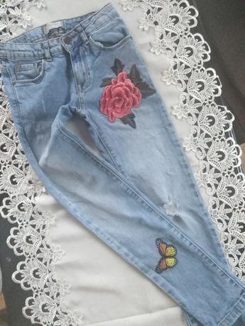 Jeansy Zara spodnie naszywki kwiat róża
