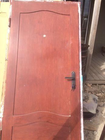 Входная советская бронированная дверь