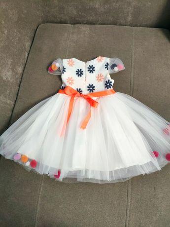 Нарядное платье на девочку, в наличии 2 шт, можно для двойняшек