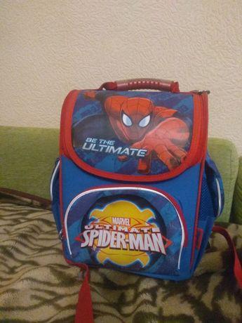 Школьный рюкзак отличное состояние