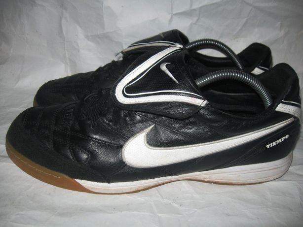 футзалки Nike Tiempo 45р