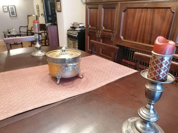 Sala de jantar para venda, usada em bom estado