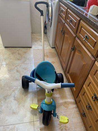Triciclo colorido Smoby