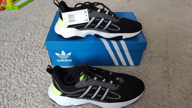 Новые кроссовки Adidas, стелька 28.5