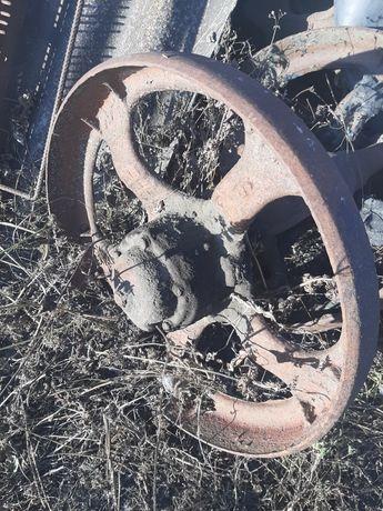 Ленивец , направляющее колесо