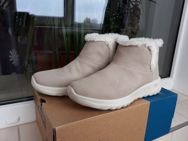 Ботинки утепленные женские Skechers On-The-Go Joy р.38 стелька 24,5 см