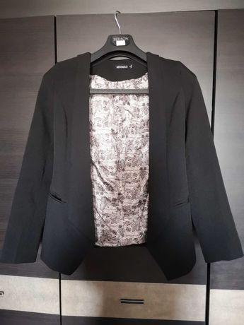 Продаю чорний приталений піджак