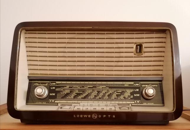 Radio antigo Loewe opta