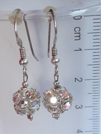 kolczyki imitujące kryształki Swarovskiego