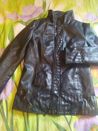 Продам курточку 100 грн