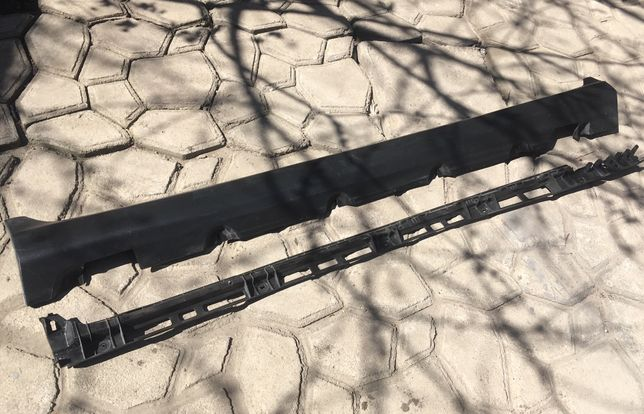 Порог на Mercedes GLC с кранштейном - A2536980900