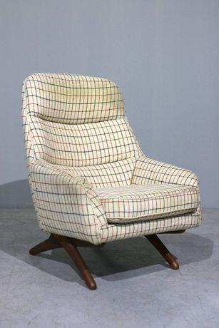 Poltrona Illum Wikkelso + Pousa pés| Ottoman chair| Retro Vintage