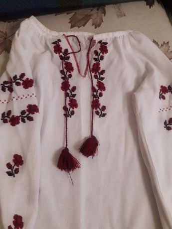 Вишита сорочка для дівчинки