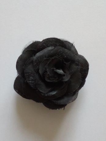Broszka Brosza Róża czarna