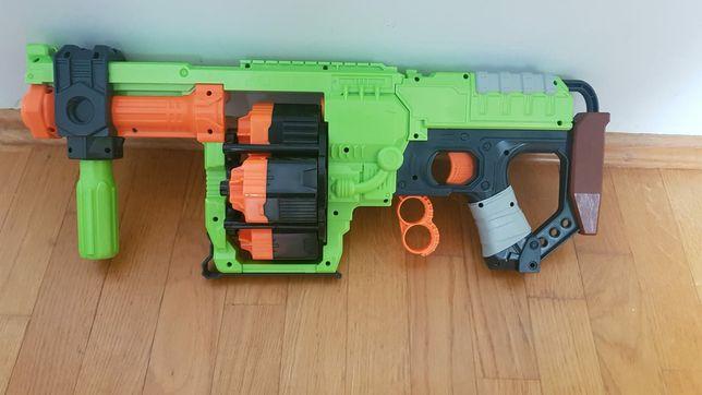 Pistolet Nerf Dominator