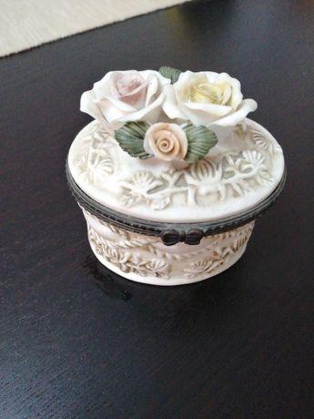 Caixa porcelana para guardar jóias e decoração