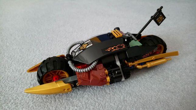 Lego Ninjago pojazd 70733 Motocykl Cole'a