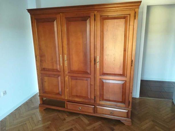 Roupeiro de quarto (3 portas) em madeira