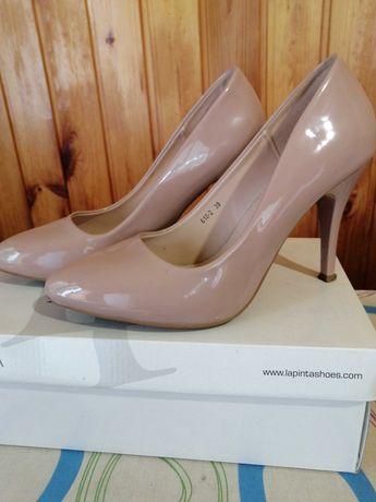 Жіночі туфлі лодочки