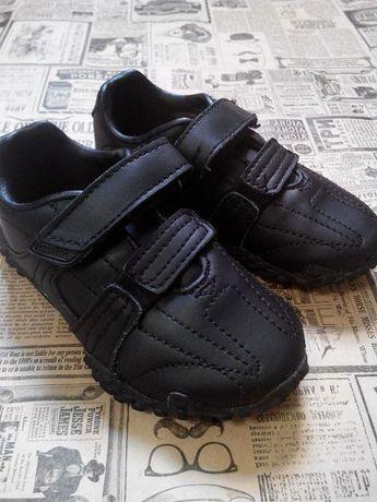 Продам кожаные кроссовки lonsdale 23 р