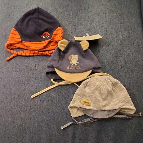 Czapeczki dla niemowlaka wiązane na szyi, rozmiary 38, 40, 42-44