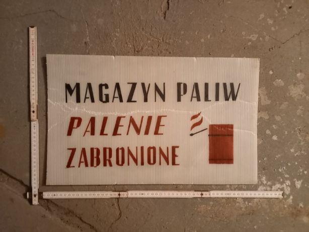 """Tablica PRL """"Magazyn paliw. Palenie zabronione"""", płyta komorowa"""