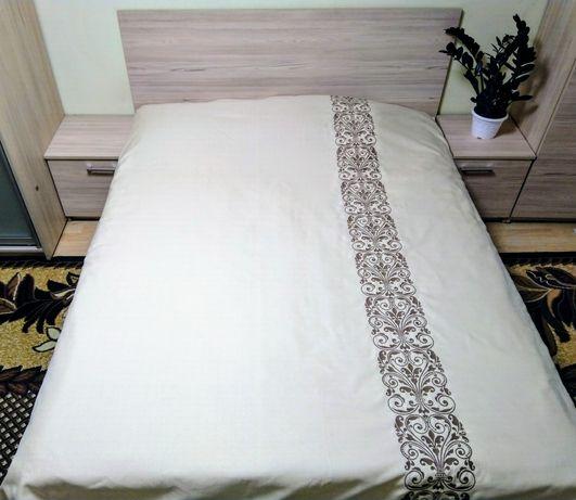 Покрывало на кровать. Покрывало с вышивкой. Покривало