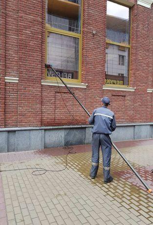 Миття вікон, фасадів від атмосферних забруднень