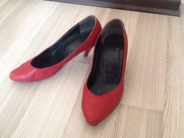 Продаются женские туфли из натуральной кожи