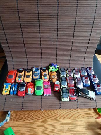 Samochodziki, jajka niespodzianki duży zestaw