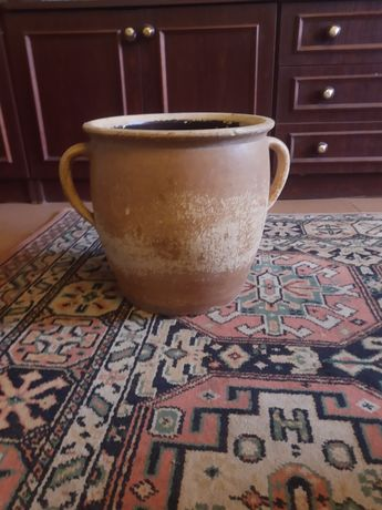 Stary gliniany garnek (antyk)